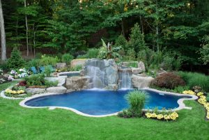 Different Ideas For Tropical Swimming Pools