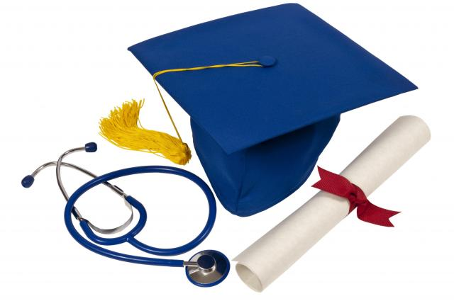 6 Reasons To Get A Nursing Degree
