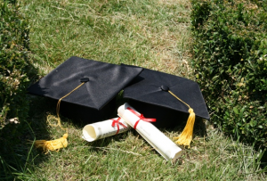Masters Degrees: The Benefits Of Going Back To School Online