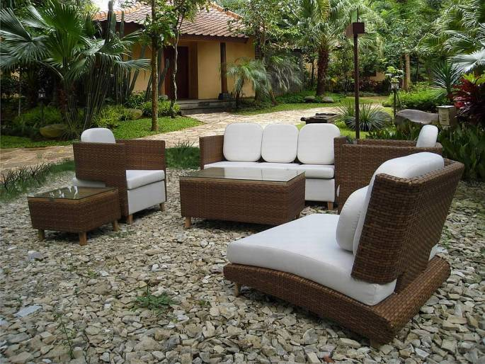 Tips For Buying Wooden Garden Furniture