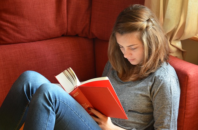 How Parents Can Help Their Teens Focus In School