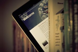 Pros and Cons Of Digital Reading