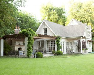 5 Differences Between Brick And Wood Houses!