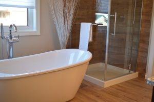 6 Things You Should Consider Before You Buy a New Bathtub